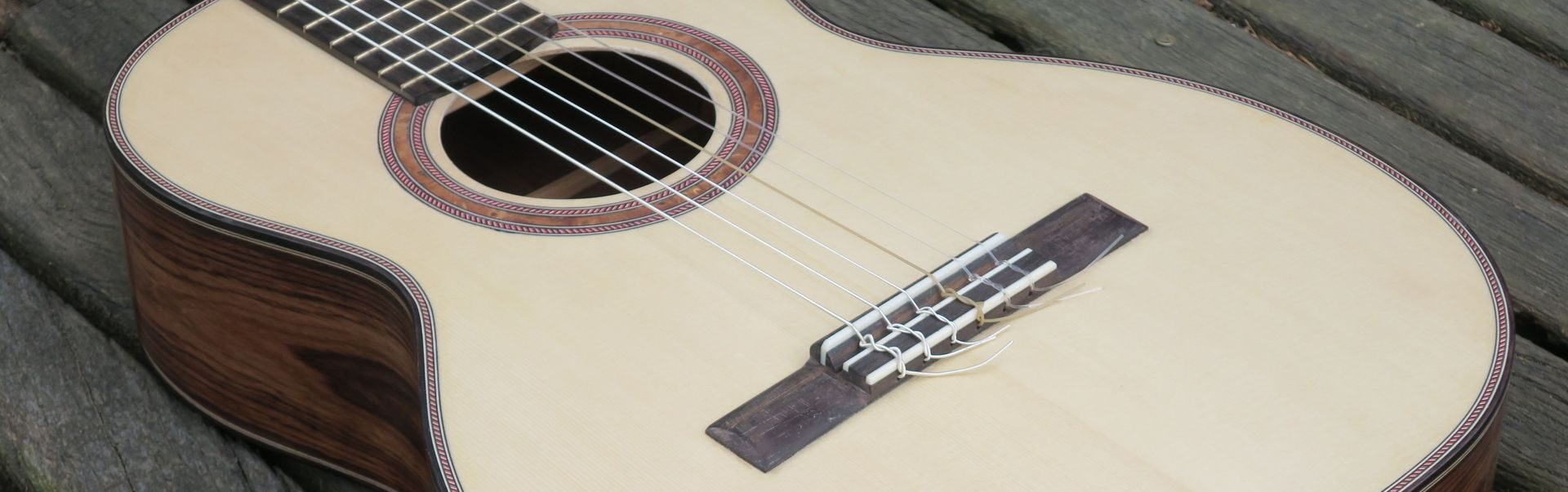 Media-Tag: <span>G guitars</span>